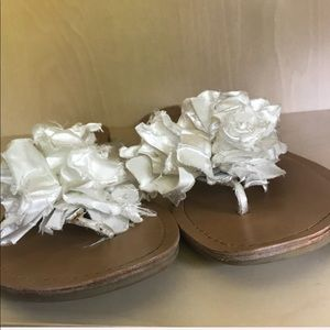 G by Guess Shoes - G by Guess satin floral thong sandal Sz 8.5